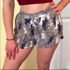 NWOT Vera Moda shorts w/ elastic waist